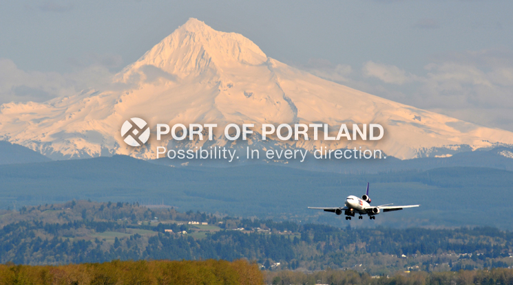 PDX is well-served by eight all-air cargo carriers, carrying more than 219,341 short tons of mail and air freight total in 2013.
